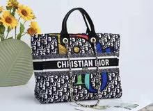 حقيبة يد نسائية ماركة كريستان ديور