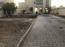 للايجار فيلا مستقلة على نصف أرض 5 غرف في مدينة محمد بن زايد