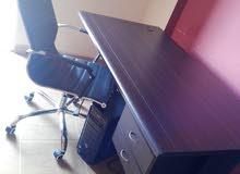 مكتب كمبيوتر و كرسي بعدن جداد