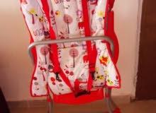 كرسي طعام اطفال استعمال بسيط بحاله الجديد يمكن طويه بسهوله