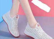 احذية بناتية جديدة مخفضة بي سعر 1600 بدل عن 1800