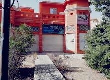 صيدلية ومبني تجاري طبي للبيع (المبني بالكامل) بسعر مغري بمنطقة سكنية راقية جداا
