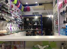 للبيع محل احذية واكسسوارات في موقع مميز بالشارقة for sales shoes shop in prime location in Sharjah