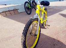 عدد 2 دراجة حتى عمر 12 سنة بحالة ممتازة