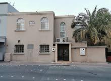للبيع بيت إسكان مجدد في مدينة عيسى على شارعين أمامي وخلفي على شارع القدس