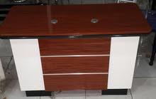 مكتب مع ادراج ثابته بنصف السعر