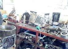 فني ميكانيك و اخصائي جير اوتوماتيك اردني الجنسيه متواجد في سلطنه عمان