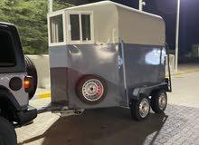 عربة نقل خيول للبيع جديده مزودة بكيبل المصابيح