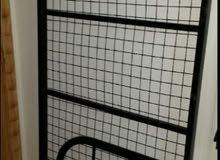سرير حديد استعمال خفيف للبيع 70 ريال
