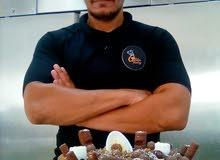يوجد لدينا شيف مصري متخصص في صنع معجنات وخبز والحلويات شاميه ذو خبره عاليه