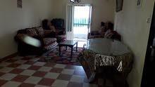شقة للبيع بالعفش في الحي 13 المجاورة 3 علي الشارع العمومي
