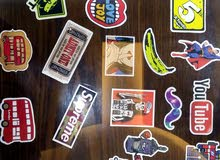 ستيكرز (stickers) لصقات ملونة بأشكال مختلفة