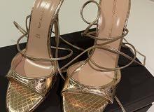 Identity shoes