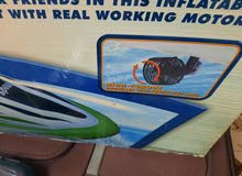 قارب كهربائي بشحن البطارية للبيع بحالة جديدة .