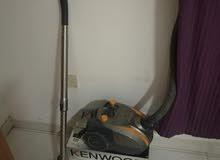 مكنسة كهربائية 2000 وات KENWOOD جديد بحالة ممتازة استخدام خفيف