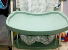 كرسي اكل 2في1 تقدر تسويه مرجوحه. تقدر تفكه وتنظفه