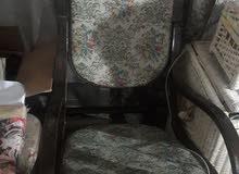 كرسي هزاز نظيف مطلوب فيه 75000