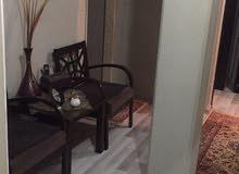 شقه للبيع شارع عمر المختار جنب مشفى الجلاء