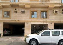 شقة للبيع في الوزيريه مقابله لحديقة ومدرسة بنات ومسجد جامع لها مدخلين