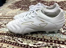 احذية رياضية جديدة