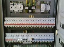 كهربائي منازل ومباني سكنيه ومصانع ومحلات تجاريه 220و380 فولت