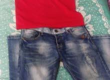 بنطلون جينز + تيشرت بعشرة دنانير