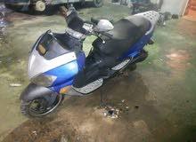 دراجة نارية نوع فيسبا 125 الحاله مستعمله كما في الصورة