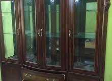 بوفيه استعمال بسيط جدا نظيف درجة اولي خشب ممتاز متين جدا 0914404403