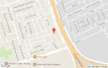 فله للبيع بالدرعيه حي الفيصليه مساحة1607م على ثلاث شوارع شرق شمال غرب