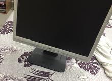 شاشه كمبيوتر بحاله جيده جدا نظيفه 100/100 لا يوجد بها خراب أو تلف