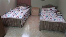شقه للإيجار  ثنايه عدد 3 غرف للطالبات والموظفات