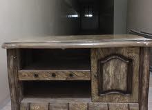 طاولة تلفزيون صغير
