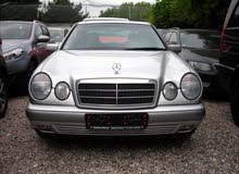 Mercedes Benz E 200 car for sale 1998 in Benghazi city