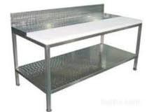 للبيع 2 طاولة ستانلس ستيل شبه جديدة