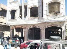 عمارة تجارية للبيع بدروم و دورين عند بريد شميلة قطعة من شارع تعز مساحة 5 لبن حر
