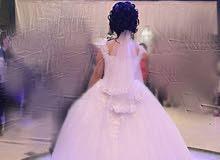 فستان زفاف بحالة ممتازة للبيع