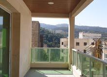 شقة جديدة مميزة بموقعها للبيع في منطقة بصاليم