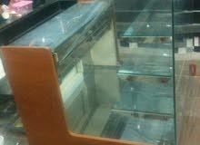 ثلاجة عرض تورتات وحلويات تشتغل طول اليوم ماشاءالله وبالمحل حاليا