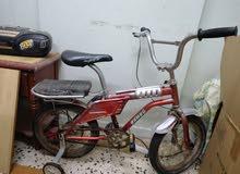 عجلة أطفال بحالة جيدةتستخدم لحد 5 ابتدائ