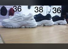عرض ثلاث احذية بسعر مغري
