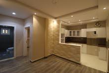 شقه 4 غرف كبيره وجديده للبيع