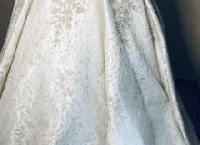 فستان زفاف ابيض