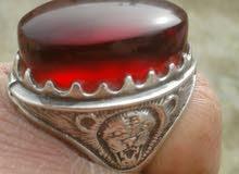 خاتم من الفضة ..ثقيل ومميز