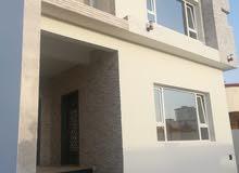 بيت طابقين للإيجار في معبيلة