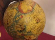 كرة ارضية عمرها تقريبا 400 سنة