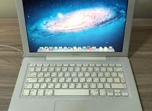 "لابتوب للبيعApple Macbook 13"" 2008 white"