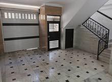 بيت للبيع ثلاث طوابق مؤثث كاملاً في ايران - قم المقدسة - شارع الجمهوري - فرع 36