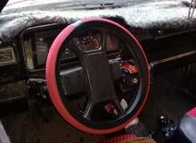 سيارة ريجاتا موديل 85 اللون ابيض يوجد بها تكييف