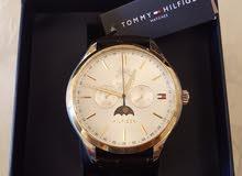 ساعة (Tommy Hilfiger) جديدة - لون أسود
