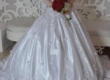 فستان زفاف جديد لبسه واحده